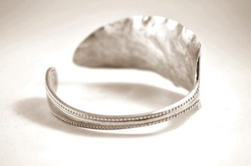 cutlery-dessert-spoon-silver-bangle